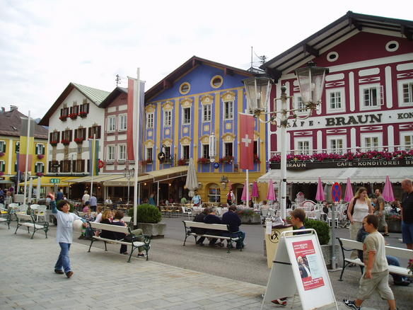 Mondsee town square